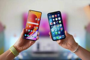 In the past, the process of transferring contacts from an Android to an iPhone was painstaking and difficult to perform. Now it seems that this has become easy, as both Apple and Google have made efforts to improve compatibility between the two operating systems.