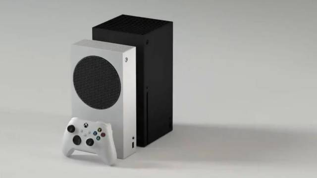 Xbox Series S is a more accessible console with more modest specifications than Xbox Series X. Microsoft confirmed the model, price, release date, and specifications that lead the way to a new way of understanding videogames. The company bets on a console without a disc reader as the most striking feature is its design, in addition to having a large fan on top of the machine. This console is designed for players who enjoy the advantages of Game Pass, the service that includes hundreds of old and current-generation video games, so backward compatibility is more than guaranteed.